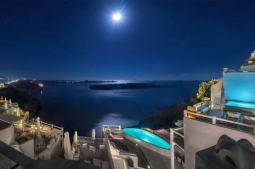 Aqua Luxury Suites Σαντορίνη